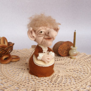 needle-felted-old-lady-brownie